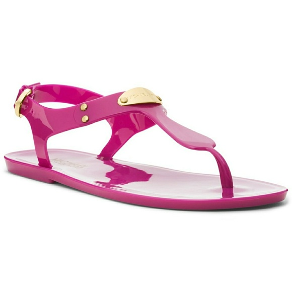 c2ee78007e5 Hot pink Michael Kors Jelly Sandals. M 5a94b6313a112e5eade7187d